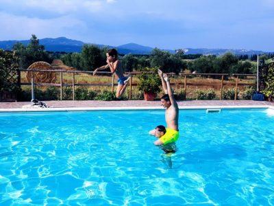 Schwimmbad Urlaub mit Kindem