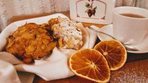 biscotti ai corn flakes e tisana all'arancia
